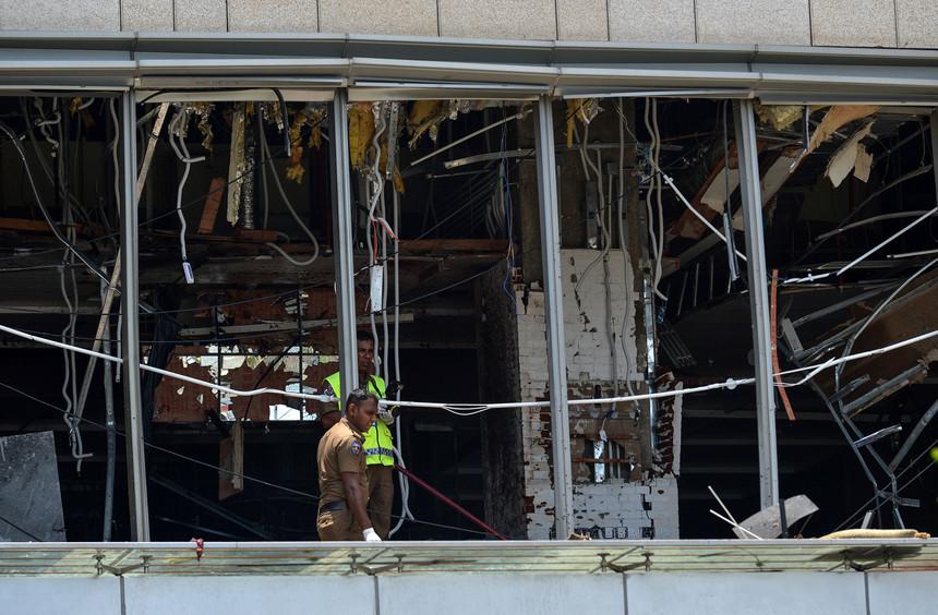 Mundo | Um português entre os 156 mortos em seis explosões no Sri Lanka