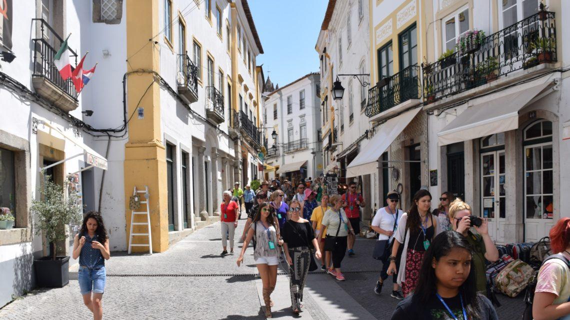 Évora | O Posto de Turismo Municipal registou em 2018 uma média mensal de 11.882 visitantes