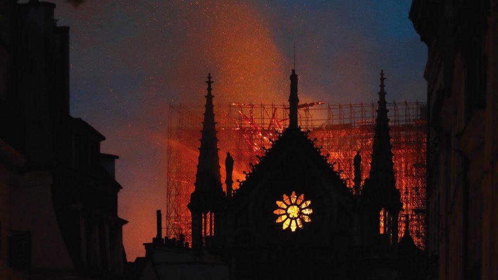 Opinião | Notre Dame de Paris, a luz e as chamas