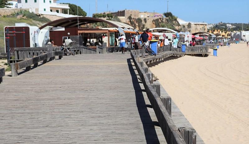 Portimão | Um milhão de euros para substituir o passadiço da Praia da Rocha