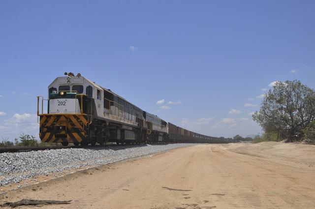 Mundo | Corredor Logístico Integrado de Nacala reduz receitas para Estado e drena 1,1 bilião de Dólares de Moçambique