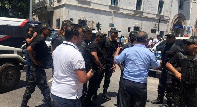 Mundo | Tunísia: Um morto e vários feridos em ataques bombistas que tinham como alvo a polícia