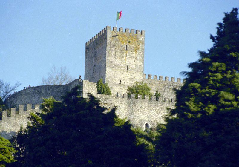 Castelo de Leiria fecha para obras de 3,8 milhões mas continua a ter visitas