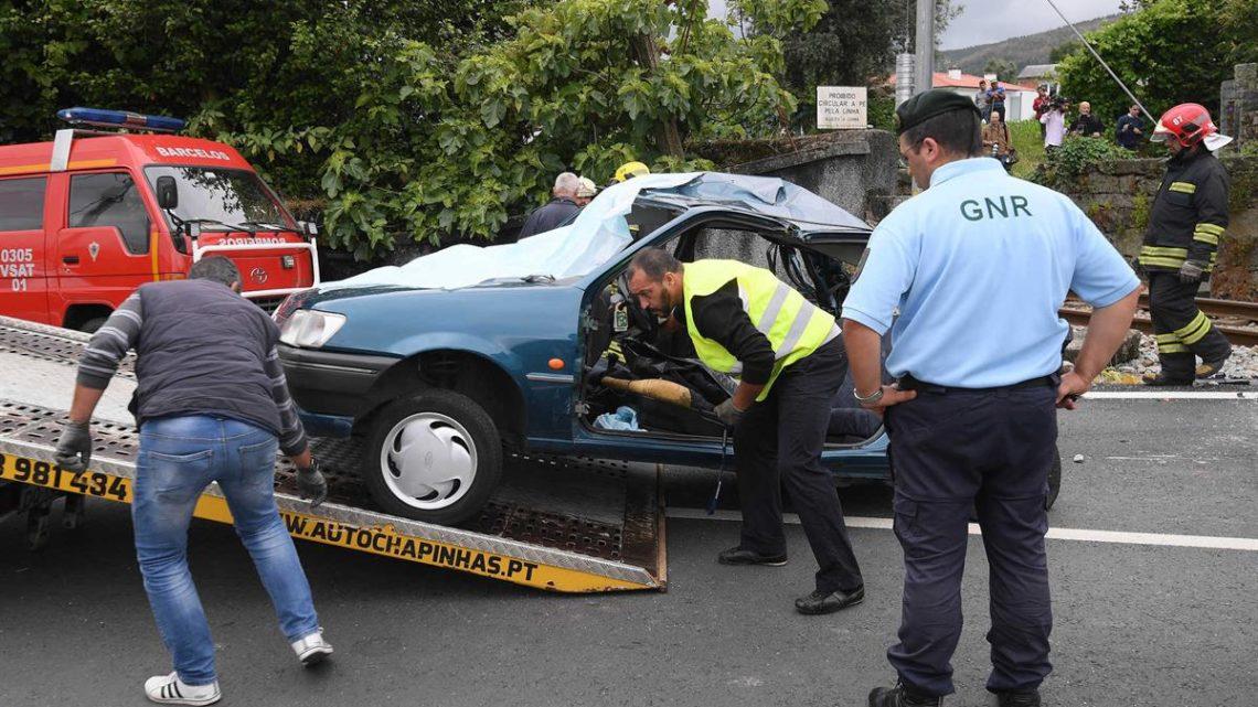 Três mortos em colisão de comboio e automóvel numa passagem de nível de Barcelos