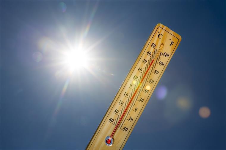 Fim de semana com temperaturas amenas no litoral e perto dos 40 no interior