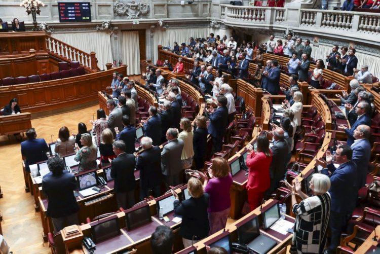 Politica | Maioria parlamentar de esquerda aprova nova Lei de Bases da Saúde