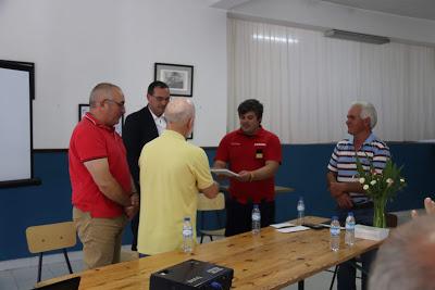 Associação das Corgas entrega donativo aos Bombeiros Voluntários de Proença-a-Nova
