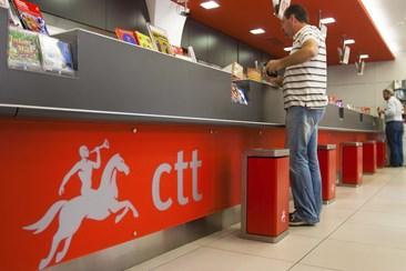 Trabalhadores dos CTT em greve a partir da meia noite
