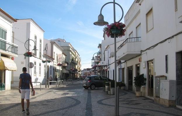 Algarve | Lagoa e Carvoeiro no topo das preferências para se viver no Algarve