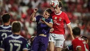 Desporto | Benfica perde com Anderlecht no jogo de apresentação aos sócios
