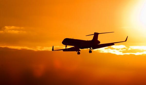 Saúde | Viagens prolongadas de avião aumentam risco de tromboembolismo venoso