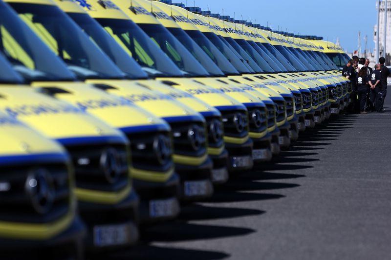 """Finanças """"travam"""" novas ambulâncias do INEM"""