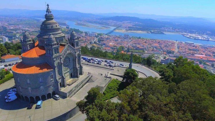 Norte | Assistente municipal de Viana do Castelo encontra e devolve 3.700 euros. Aprovado voto de louvor