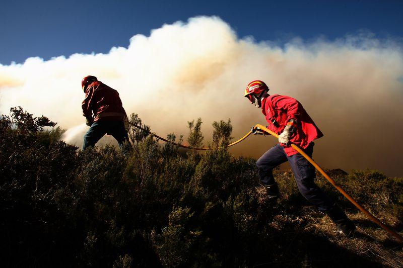 Incêndios: Quase 20 concelhos em risco máximo no interior norte e centro e Algarve