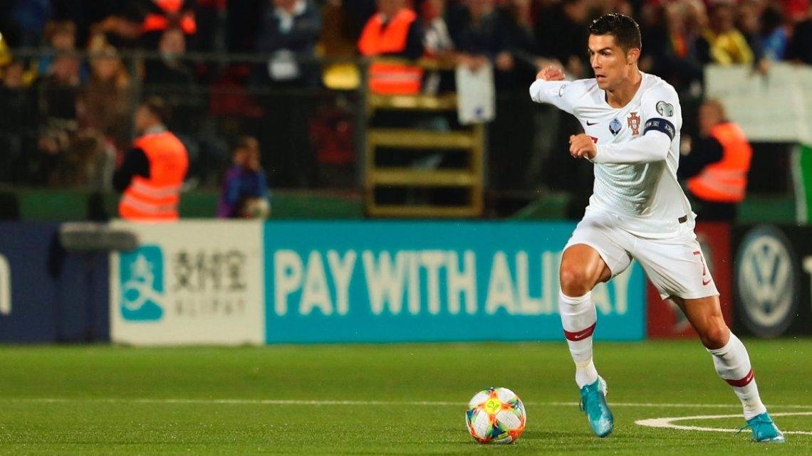 Desporto | Portugal goleia Lituânia com poker de Cristiano Ronaldo
