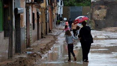 Mundo | Sobe para seis o número de mortos devido às chuvas em Espanha