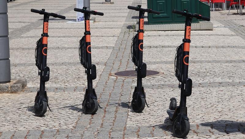 Algarve | Sessões para ensinar a andar de trotineta em segurança