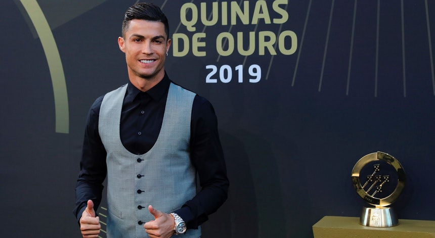 Cristiano Ronaldo Jogador do Ano para FPF e com recado para redes sociais e imprensa