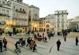 Região Centro | APCC volta a levar a poesia à Baixa de Coimbra, desta vez com loja ambulante