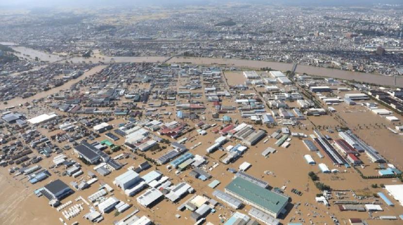 Mundo   Grupo de mais de 30 portugueses retido em Osaka após passagem do tufão Hagibis