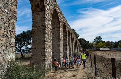 Évora   No Dia Nacional da Água Câmara Municipal leva crianças a visitar o Aqueduto da Água da Prata