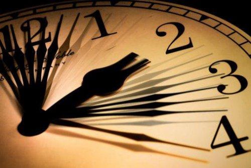 Relógios atrasam este domingo. Vai dormir mais uma hora