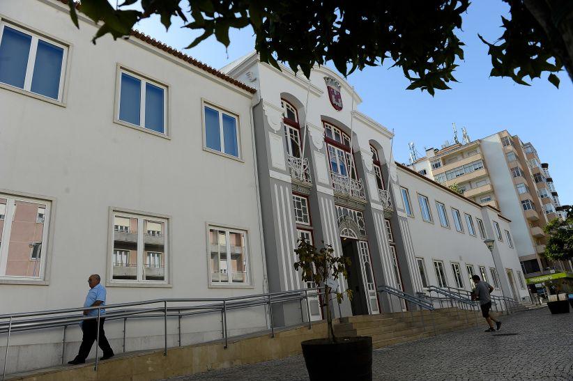 Justiça   Autarca de Torres Vedras vai a julgamento por plágio
