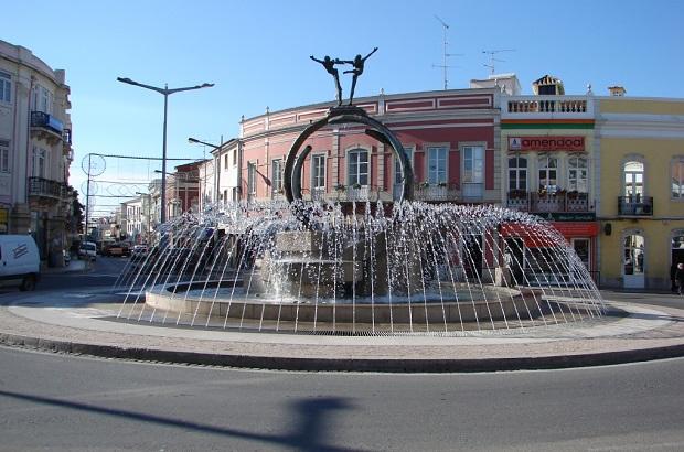 Algarve | Investimento de 183 mil euros na repavimentação da principal avenida de Loulé