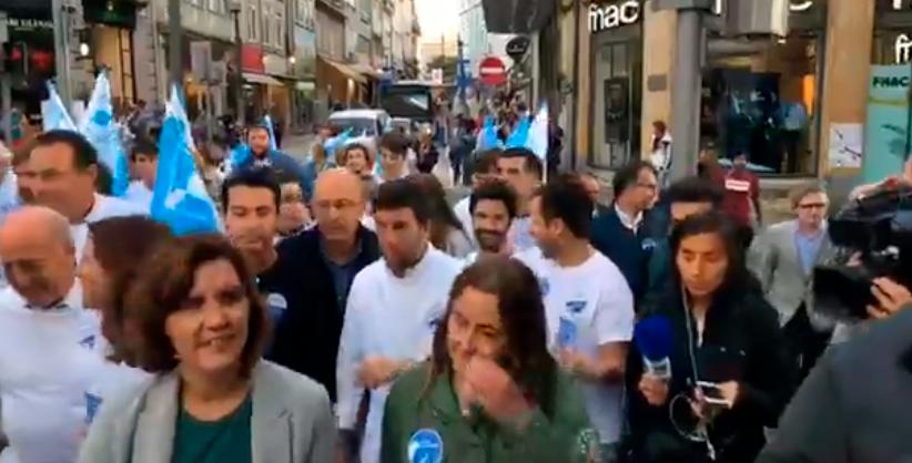 POLÍTICA | Arruada tensa do CDS no Porto, com palavrões e empurrões à mistura
