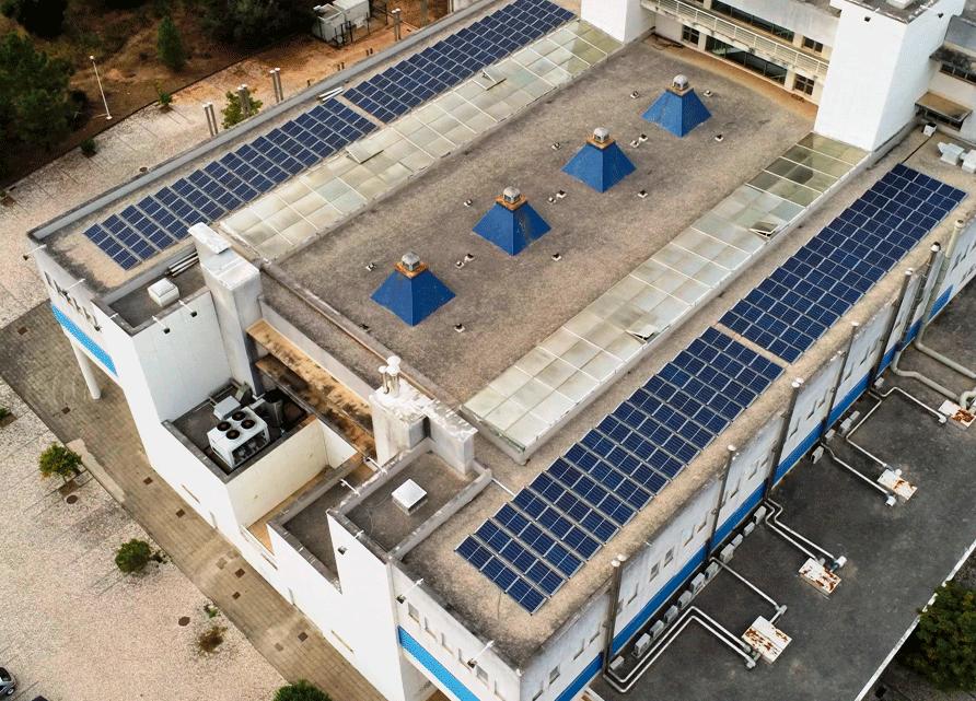 Coimbra | FCTUC conclui instalação de sistemas de energia solar fotovoltaica em todos os edifícios do Polo II