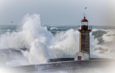 ALERTA | Sete distritos do continente sob aviso amarelo devido à agitação marítima