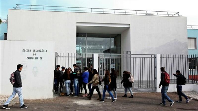 """Casos de Policia   """"Em estado grave"""". Aluna agredida em Campo Maior internada em Lisboa"""