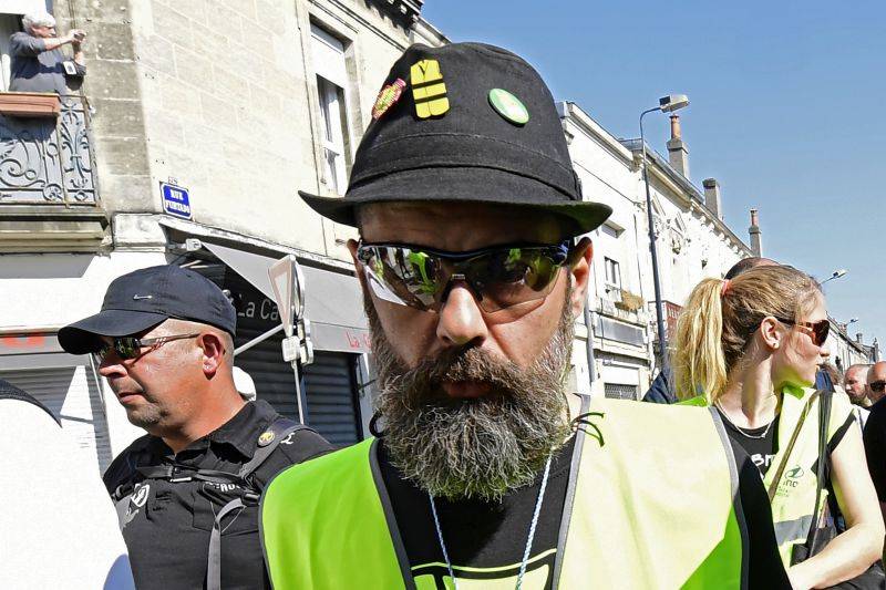 """""""Vão-se passar muitas coisas em Paris"""". Um ano depois os coletes amarelos voltam à rua"""