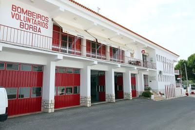Alentejo | Dois bombeiros da corporação de Borba feridos em invasão do quartel por 20 pessoas