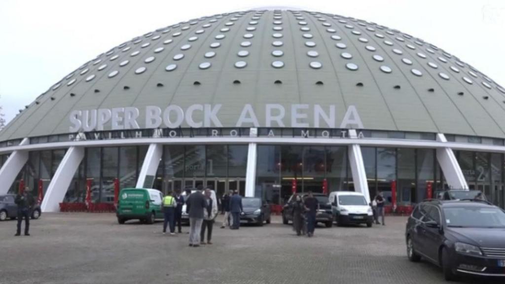 Chumbada proposta de alteração do nome do Super Bock Arena Pavilhão Rosa Mota