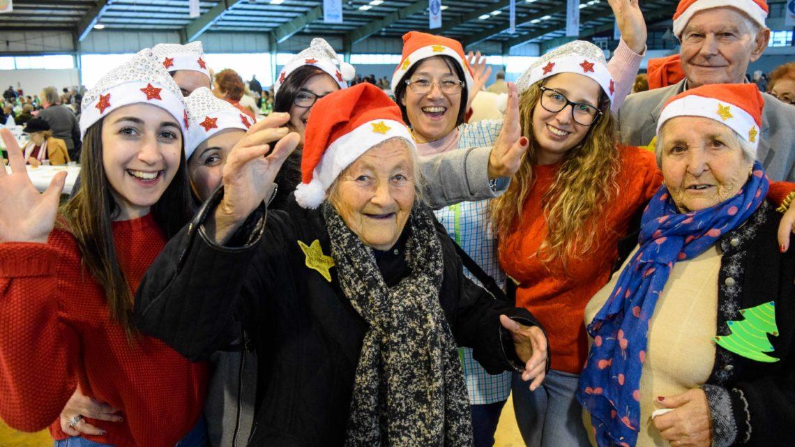 Oeste | 17 de Dezembro: Almoço de Natal reúne centenas de seniores nas Caldas da Rainha