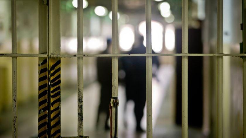 """Portugal condenado por tratamento """"degradante e desumano"""" de um preso"""