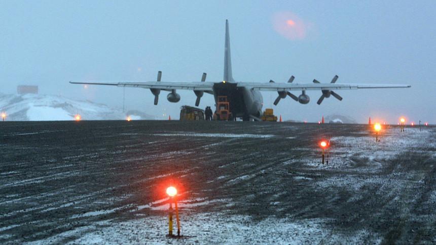 Avião chileno com 38 pessoas a bordo desaparece a caminho da Antártida