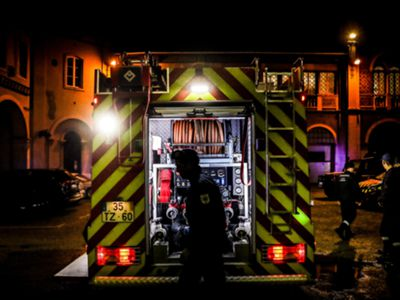 Alerta para tempo quente na Madeira. Em pleno Dezembro bombeiros combateram incêndios em diversos pontos da ilha