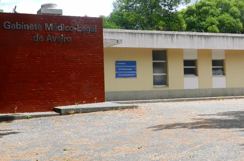 Funcionários hospitalares e agentes funerários acusados em esquema de gratificações na morgue de Aveiro