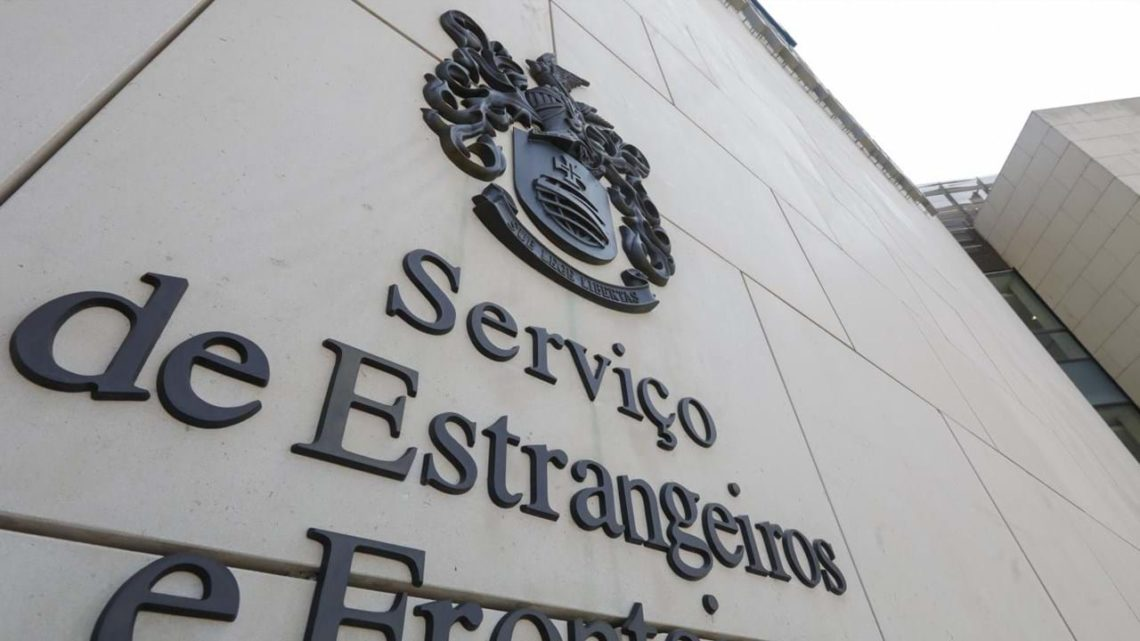 Dois homens detidos por emigração ilegal