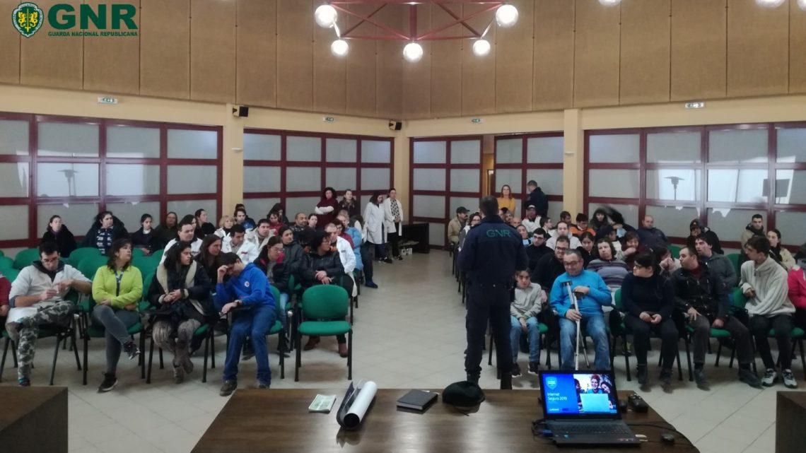 GNR realizou ação de sensibilização sobre segurança na utilização da Internet, em Águeda
