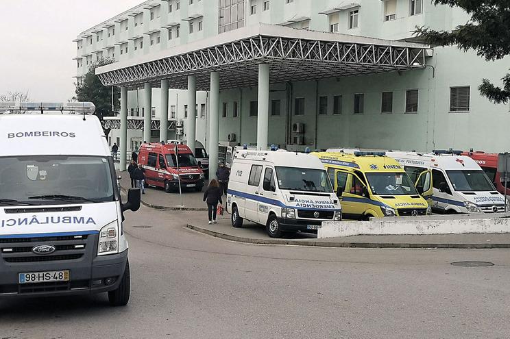 Casal de médicos sequestrado e agredido por doente no Hospital de Setúbal