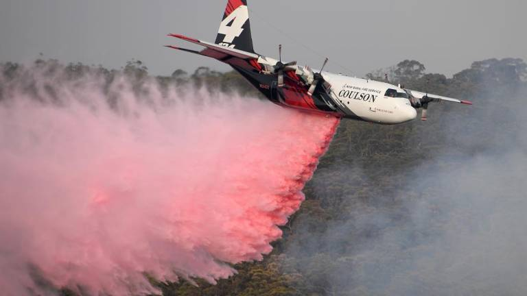 Três mortos em queda de avião de combate a incêndios na Austrália