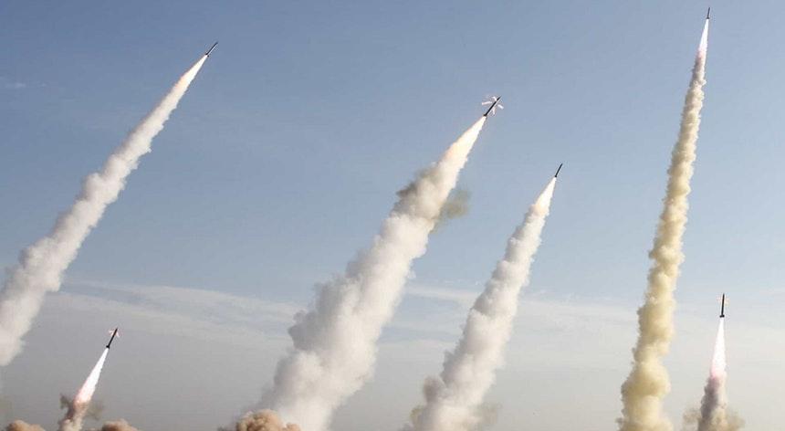 Guarda Revolucionária do Irão reivindica ataque às duas bases militares no Iraque