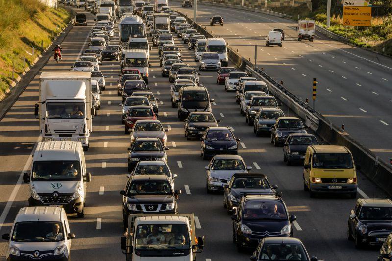 Estudo afirma que novos veículos a gasóleo poluem mil vezes mais
