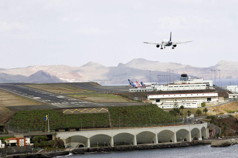 Piloto desmaiou num voo do Porto para o Funchal e co-piloto teve de regressar à origem