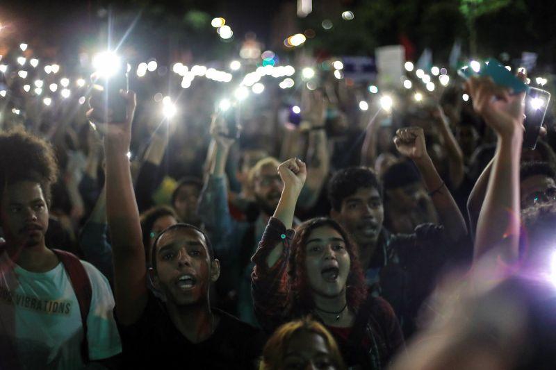Brasil lança campanha pela abstinência sexual entre os jovens