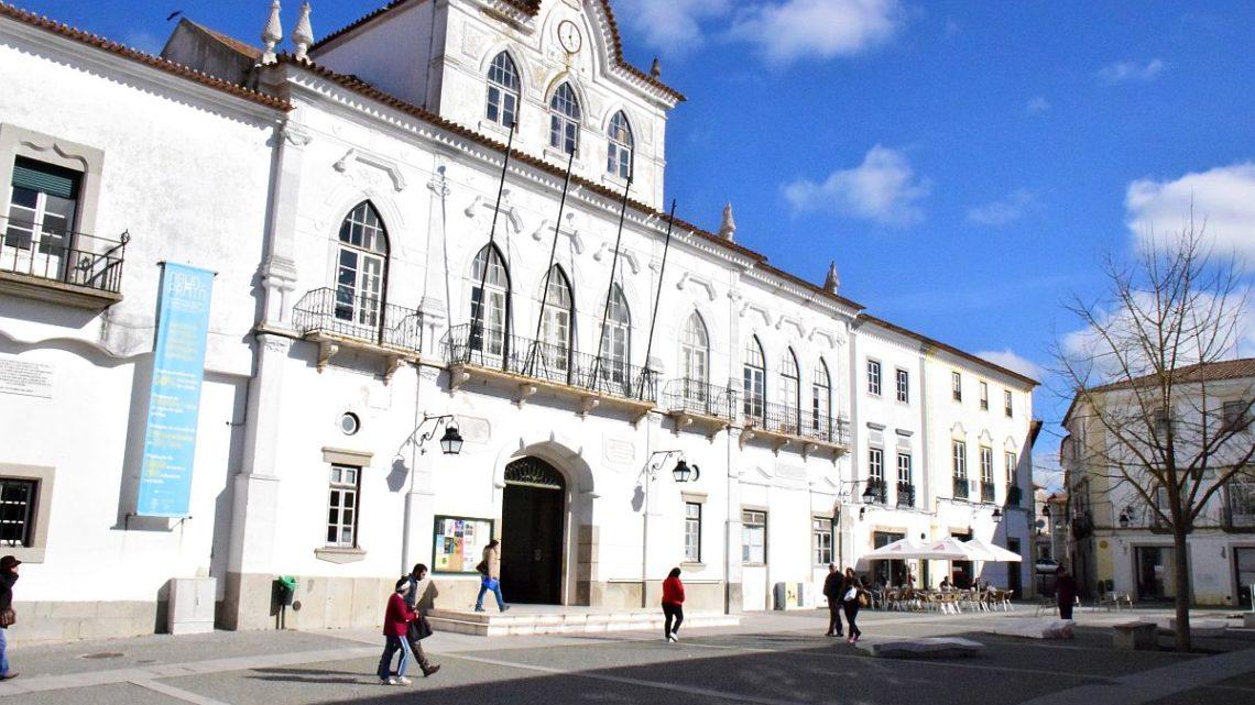 Em reunião pública de 26 de Fevereiro: Câmara de Évora fez ponto da situação da construção do Hospital Central