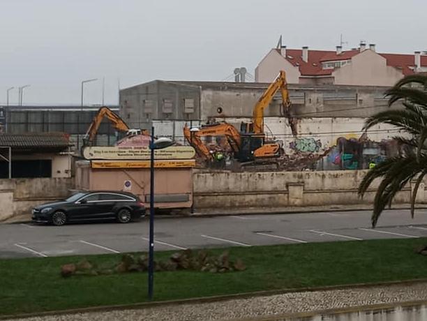 Aveiro: Demolição da antiga Bóia & Irmão para nova unidade hoteleira